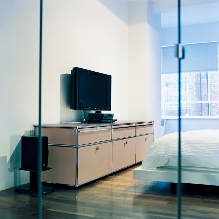 metropolis metropolis design bologna usm haller e metropolis. Black Bedroom Furniture Sets. Home Design Ideas